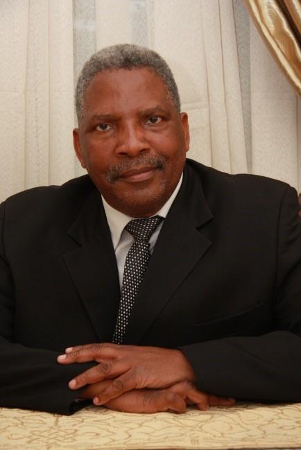 Dr Samson Makhado
